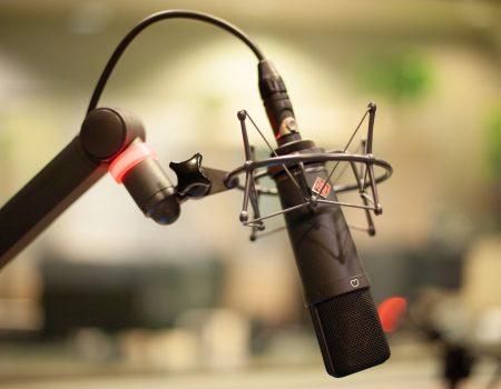 microphone-4319526_1920